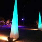 Eventorganisation: Außenansicht Location im Dunkeln. mit Aircones