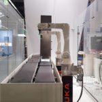 """Umsetzung der neuen Messekonzeption - Nahansicht Roboterapplikation """"pick & control"""""""